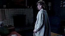 《招魂2》片段:鬼魂和珍妮特抢遥控器惊悚换台