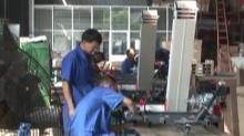 益阳南县:收谷装袋机出口海外
