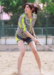 解锁运动新姿势!陈妍希宋茜大展超强柔韧度