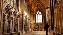 中世纪教堂真的崇尚暗黑吗