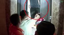 浙江:母亲报案儿子失踪 原是被困电梯12小时