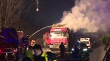 京港澳高速汨罗段货车爆炸事故 事发大荆服务区附近 事故已致5死20伤