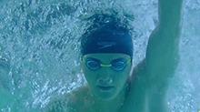 1500米自由泳开赛 祁睿峰异常举止引众人担忧