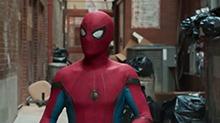 《蜘蛛侠:英雄归来》回归复联预告 <B>钢铁侠</B>调教小蜘蛛回归复联