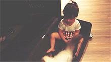 欧弟欲将女儿放行李箱带走 宝贝JOJO肉嘟嘟小腿惹人爱