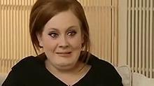 前方高能!歌手Adele接受采访 这是不是假采访?