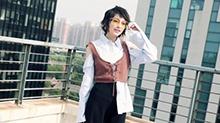 【橘子时尚】<B>吴昕</B>街拍预告花絮 短发红唇微笑撩人