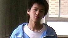 <B>张若昀</B>高中桀骜不驯被封为校草 青涩校服照被赞像陈柏霖