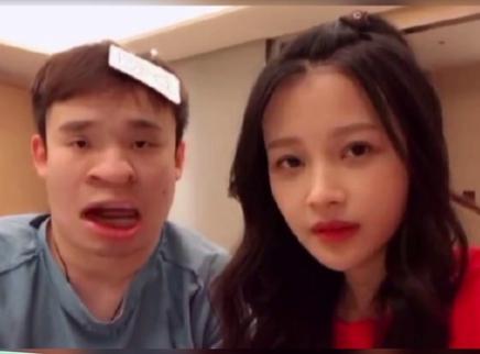 孙怡董子健大玩恶搞视频 小董爸爸委屈控诉表情无奈