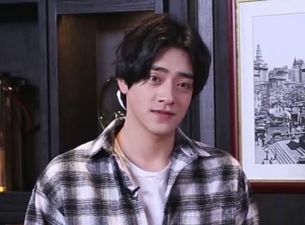 星月对话20191114期:郑云龙《摇滚年代》挑战新风格 现场回忆大学时光