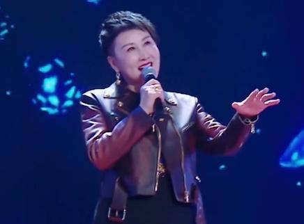张凯丽献唱寄语女儿