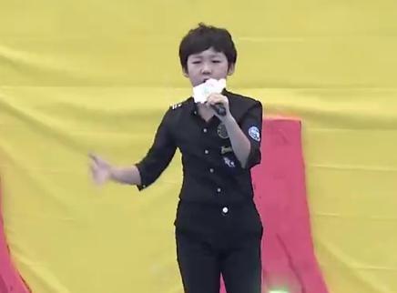 全能小选手现场唱跳!秀翻舞台