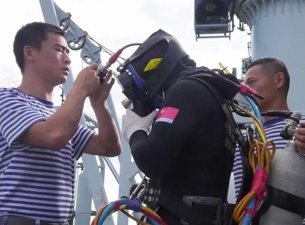 李刚:无畏海底行