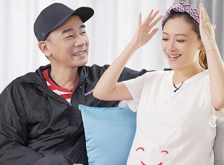 先导片:应采儿陈小春撒糖日常